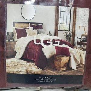 UGG 2-Piece Comforter Set (Twin)